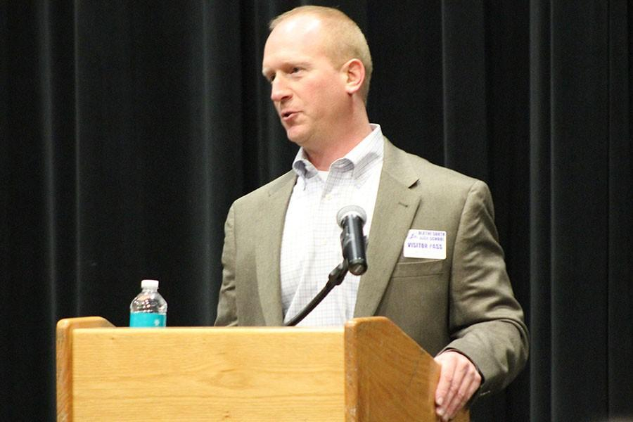 Comets VP emphasizes importance of professional resume in job hunt