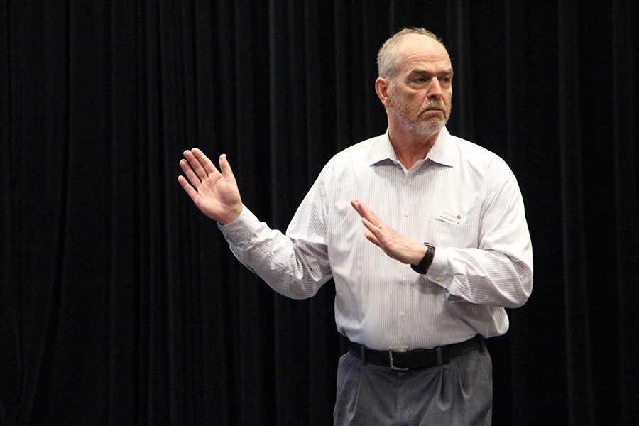 Randolph encourages humanitarian work at PCA lecture