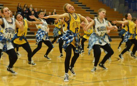 The Varsity Golden Girls perform their Hip Hop Routine.