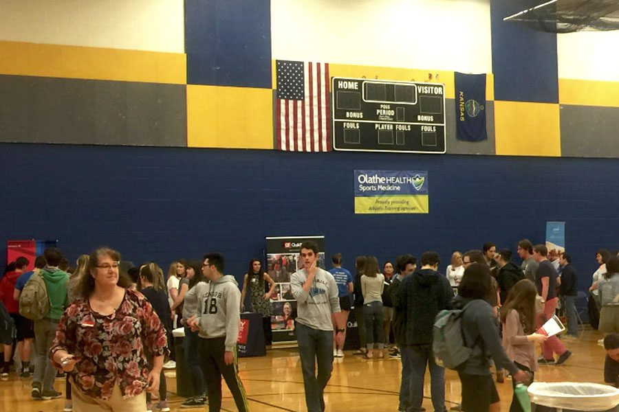 Seniors and juniors attend career fair during seminar to check out local job opportunities.
