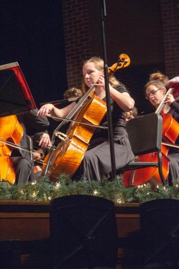 Performing arts groups during Holiday Magic